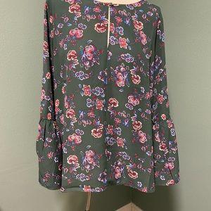💎Beautiful Emma & Olivia Boho flower print blouse